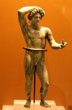 Estatuilla del tipo Apolo Licio - Museo del Ágora antiguo de Atenas