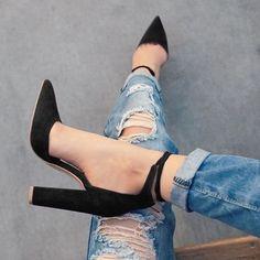Chunky High Heel Pointed toe Pumps