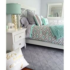 Teenage Room Makeover On A Budget How to redo a teenage girl's bedroom if you're on a budget and/or it's a really SMALL bedroom? Below are some cheap ways to decorate a teenage girl's bedroom that I LOVE! A teens bedroom is their sanctuary, where … Teenage Girl Bedroom Designs, Teenage Girl Bedrooms, Bedroom Girls, Guest Bedrooms, Teenage Room, Teen Girl Bedding, Teal Teen Bedrooms, Guest Room, Bedroom Ideas For Teen Girls Small