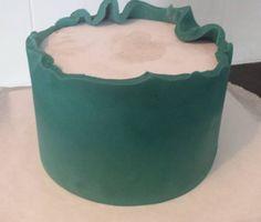 Sharp edges on a round cake - the easy way - CakesDecor