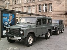 Land Rover Defender FR Army - Strasbourg.jpg