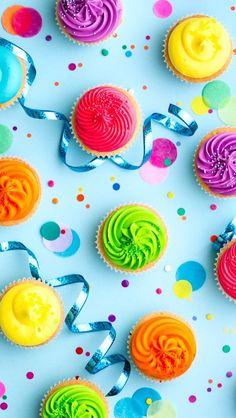 Colorful cupcake party background by RuthBlack. Colorful cupcake party background on blue Kool Aid, Iphone Wallpaper 4k, Food Wallpaper, Iphone 6, Kawaii Wallpaper, Wallpaper Ideas, Mobile Wallpaper, Cupcakes Wallpaper, Cooking With Beer