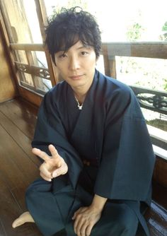 星野源 Japanese Outfits, Japanese Fashion, Japanese Clothing, Yukata, Actors, Naver, Artist, Style, Love