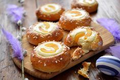 Baked Doughnuts, Sweet Pastries, Easter Recipes, Easter Food, Baked Goods, A Food, Sushi, Baking, Ethnic Recipes