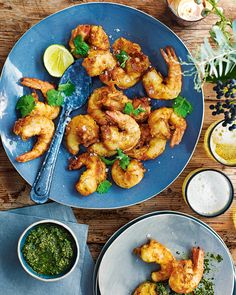 Serve this Asian-style scampi recipe at your next dinner party as an everyone dig-in starter – it's sure to leave your guests wanting more. Relish Recipes, Prawn Recipes, Seafood Recipes, Scampi And Chips, Scampi Recipe, International Recipes, Tandoori Chicken, Food Inspiration, Entrees