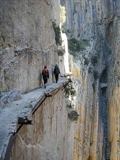 El Camino del Rey (King's pathway) in Malaga, Spain. The walkway is 3 feet and 3 inches in width, and rises over 350 feet above the river below. Places Around The World, Oh The Places You'll Go, Places To Travel, Places To Visit, Around The Worlds, Travel Things, Travel Stuff, Beautiful World, Beautiful Places
