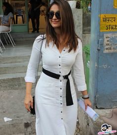 Ileana D'Cruz snapped at Bandra Picture Gallery image # 357104 at Stars Spotted 2017 containing well categorized pictures,photos,pics and images. Beautiful Bollywood Actress, Most Beautiful Indian Actress, Indian Celebrities, Bollywood Celebrities, Indian Bollywood, Bollywood Fashion, Sonam Kapoor, Deepika Padukone, Black And White Saree