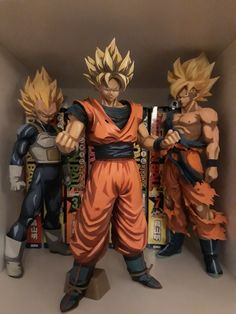 Dragon Ball Z, Figuras Wwe, Avengers Cartoon, Hulk Art, Goku And Vegeta, Anime Figurines, Japanese Art, Action Figures, Cool Art