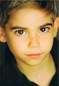 #cameron boyce @εммα pαttεsoɳ  he soo little and cute!!