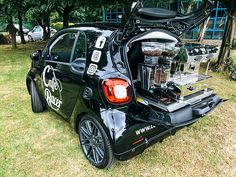 Discover our Smart Car Conversion - a vehicle which not only drives well but also produces great espresso. Start your coffee business in style today! Coffee Van, Big Coffee, Coffee To Go, Coffee Food Truck, Mobile Restaurant, Mobile Coffee Shop, Bike Food, Coffee Trailer, Coffee Shop Business