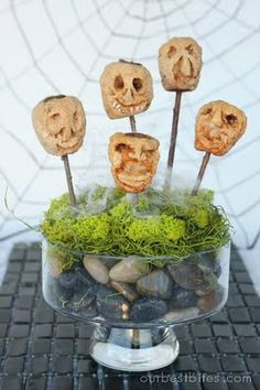 Crafty in the Kitchen: Shrunken Heads | (I remember doing this in 4th grade art class!)