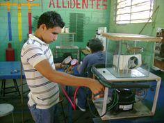 Curso de Electricidad.Práctica con un Simulador.  Cecal La Chinita - Maracaibo Venezuela.
