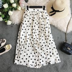 Shop for everything but the ordinary. Office Outfits, Outfits For Teens, Work Outfits, Black Blouse Outfit, Classy Outfits, Trendy Outfits, Cut Jeans, Skirt Outfits, The Ordinary