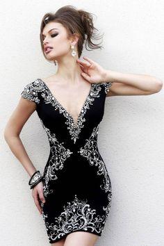 Вечернее платье от Sherri Hill короткое черное