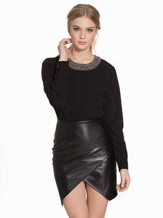 Nelly.com: OBJLOLA L/S TOP 82 - Object Collectors Item - nainen - Musta. Uutuuksia joka päivä. Yli 800 tuotemerkkiä. Rajatonta vaihtelua.