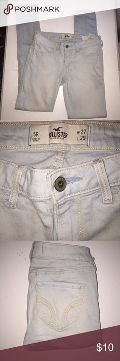 Light Wash Hollister Jegging Very light wash jegging from Hollister. Size 5R. Has flaw as shown on the last picture. Hollister Jeans Skinny