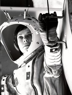 Watch: Go Behind The Scenes Of Alfonso Cuarón's 'Gravity' With New Pics | The Playlist