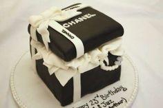 Torte di compleanno fashion - Torta scrigno Chanel per compleanno