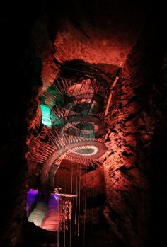 Largest Underground Trampoline Suspended 180 Feet High Inside a Cave 5f4d194fa58