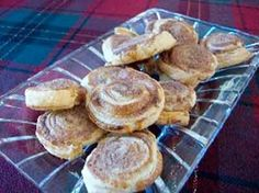Easy Cinnamon Snails made with frozen puff pastry. Quick. Easy. Delicious. http://www.quick-german-recipes.com/cinnamon-snails.html