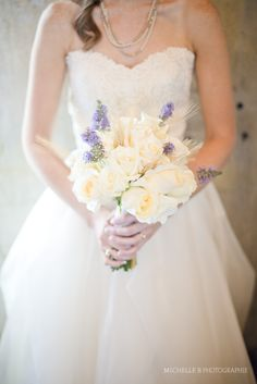 my bouquet: ivory roses & wheat