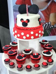 Cake and cupcakes at a Minnie Mouse  #minniemouse #cakecupcakes