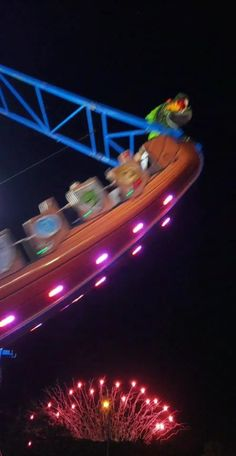 Roller Coaster Ride, Roller Coasters, Rollercoaster Funny, Fair Rides, Attractions In Orlando, Carnival Rides, Park Pictures, Night Aesthetic, Amusement Parks