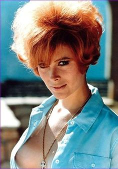 August is the month of love 'em/hate 'em Bond girls, I guess. John's Tiffany Case, of Diamonds Are Forever, certainly gets a lot of the hate, but I'll always love her. The amiable actress and horsewoman is 67 today. Divas, Natasha Gregson Wagner, Jill St John, Saint John, John Movie, James Bond Girls, Actrices Sexy, Jolie Photo, Forever