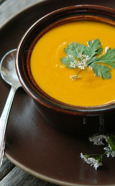 Low FODMAP and Gluten Free Recipe - Curried carrot soup  -- http://www.ibssano.com/low_fodmap_recipe_curried_carrot_soup.html
