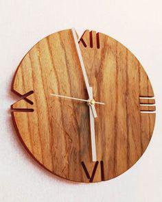 Resultado de imagem para часы из дерева своими руками