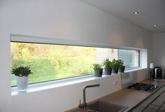 22 Examples Of Minimal Interior Design - UltraLinx - FeedPuzzle Minimalism Interior, Home Building Design, House Design, Contemporary House Design, Industrial Kitchen Design, Contemporary House, Home Interior Design, Modern Farmhouse Kitchens, Minimalist Kitchen Design