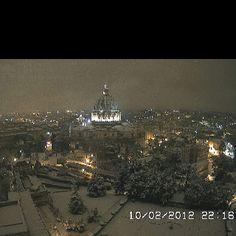 Descrivi il tuo pin... San Pietro....Sotto un manto di neve Roma bella mi appare