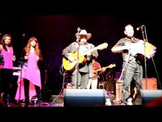 Flaco Jimenez, Max Baca, and Sorela are at the Sycuan Casino, in El Cajon, California (San Diego Area). In the band are Donny Tesso on Bass, Eddie Garcia on drums, Louie Alvarado on keyboards, Jimmy Evaro on guitar. Sorela are sisters D'anna Tesso and D'ette Tesso-Kellner.