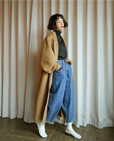 Pin by on Perfection in 2020 Set Fashion, Fashion Moda, Asian Fashion, Look Fashion, Winter Fashion, Fashion Outfits, Fashion Trends, Korean Outfits, Mode Outfits