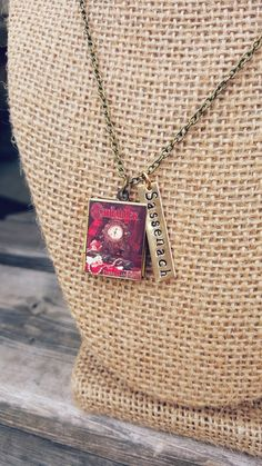 Shop for outlander on Etsy, the place to express your creativity through the buying and selling of handmade and vintage goods. Outlander Gifts, Arrow Necklace, Pendant Necklace, Lovers, Trending Outfits, Book, Unique Jewelry, Handmade Gifts, Vintage