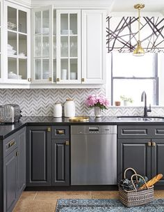 The 10 Best (and Most Original) Paint Colors for Your Kitchen: #6. Charcoal; #kitchens; #kitchendesign; #kitchenideas; #charcoal; #paint; #paintcolor