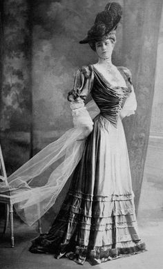 Edwardian Fashion - 1905