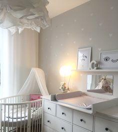 Stokke babybett Kinderzimmer babyzimmer Herzchen Ikea wickelkommode hemnes