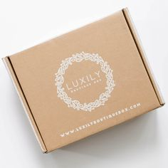 Luxily Boutique Subscription Box Review - August 2016 - Check out my review of this women's subscription box!