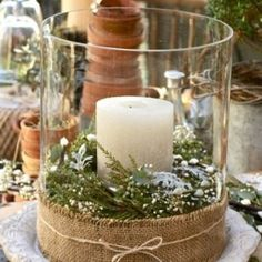 YES!!!! Winter Wedding! Might do a winter wedding just to do my burlap!