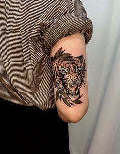 Tiger Tattoo Sleeve, Arm Tattoo, Sleeve Tattoos, Traditional Tiger Tattoo, Traditional Tattoo Design, Life Tattoos, Body Art Tattoos, Tattoos For Guys, Tiger Tattoo Design