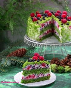 Puzzle Green moss cake with fruits - online jigsaw puzzle games. Jigsaw puzzles, puzzle games for kids. Play free jigsaw puzzle Green moss cake with fruits. Fancy Desserts, Fancy Cakes, Healthy Desserts, Food Cakes, Cupcake Cakes, Moss Cake, Spinach Cake, Cake Recipes, Dessert Recipes