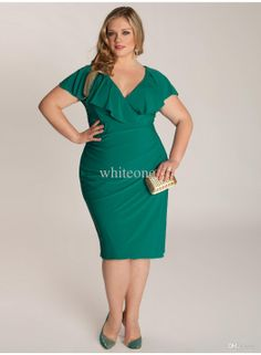 Plus size clothing for full figured women. We carry young and trendy, figure flattering clothes for plus size fashion forward women. Curvalicious Clothes has the latest styles in plus sizes Curvy Fashion, Plus Size Fashion, Girl Fashion, Fashion Vestidos, Fashion Dresses, V Neck Dress, The Dress, Plus Size Dresses, Plus Size Outfits