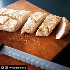 0,7 dl coconut flour, 2,4 dl tapioca starch, 3/4 tsp baking soda + salt, 1tsp gelatin, 0,6 dl avocado oil, 2,4 dl water