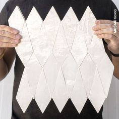 Glazed white tiles with geometric kite shape that creates an original tile pattern. The tiles are available on prepositioned panels or in loose pieces. Terrazzo Tile, Mosaic Tiles, Wall Tiles, Mosaic Del Sur, Geometric Tiles, Tiles Online, Tiny House Bathroom, Moroccan Tiles, Kitchen