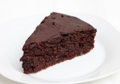 """Great website with sections like """"Almost healthy dessert recipes"""" and """"Homemade Junk Food Recipes"""" Gotta try this Chocolate Chickpea Cake! (Slimming World Baking Eggs) Sugar Free Chocolate Cake, Chocolate Slice, Gluten Free Chocolate, Healthy Chocolate, Chocolate Recipes, Flourless Chocolate, Chocolate Cakes, Delicious Chocolate, Sugar Free Desserts"""