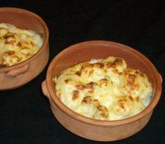 Vanhan ajan kukkakaaligratiini Macaroni And Cheese, Ethnic Recipes, Food, Gate Valve, Recipes, Mac And Cheese, Essen, Meals, Eten