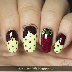 Vic and Her Nails: Digital Dozen Does Floral - Day 4: Roses