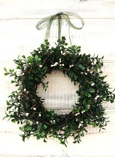 A mini wreath adds a touch of green.