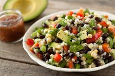 Couscous Taco Salad with California Avocados. (i think i'll replace the couscous with quinoa b/c i prefer it! Pastas Recipes, Avocado Recipes, Healthy Salad Recipes, Vegetarian Recipes, Vegetarian Chili, Keto Recipes, Couscous Royal, Israeli Couscous Salad, Fancy Salads